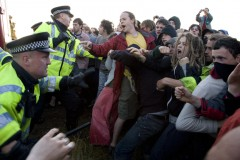 Kingsnorth 2008; Police and climate campers clash at the north gate.